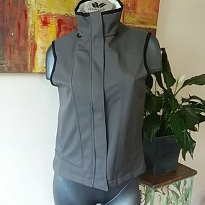 COLUMBIA CONVERT grey sports vest size medium